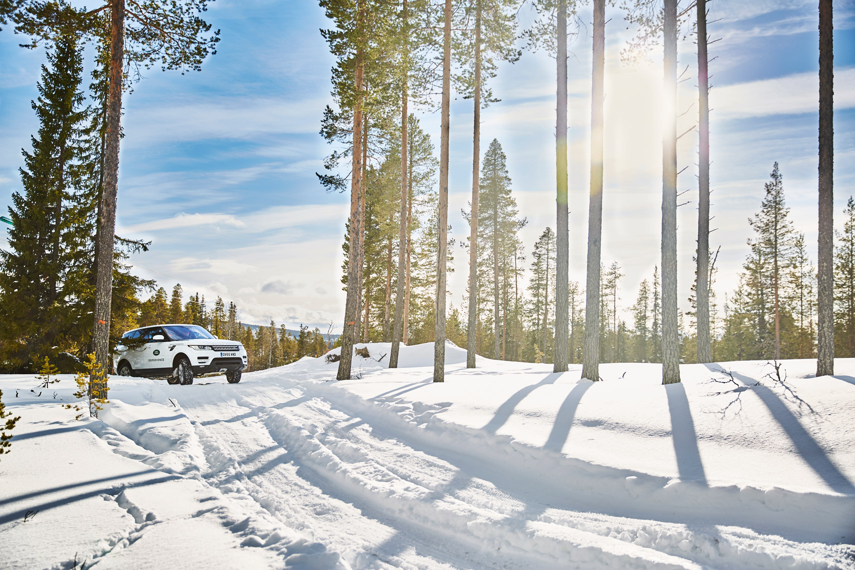 hellotpd_Xisco_Fuster_JaguarLandRover_Ice_Academy_XiscoFuster_Off-Road_0125